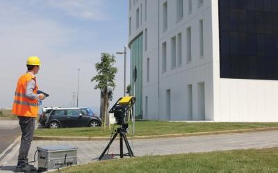 Sisteme interferometrice pentru monitorizarea structurilor antropice (cladiri, baraje, tuneluri etc.) - 3D